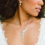 """""""Inès"""" collier de mariée champêtre avec fleurs orchidée et perle"""