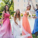 Les demoiselles d'honneur et la mariée