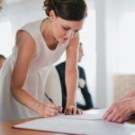 Signature des registres par la mariée
