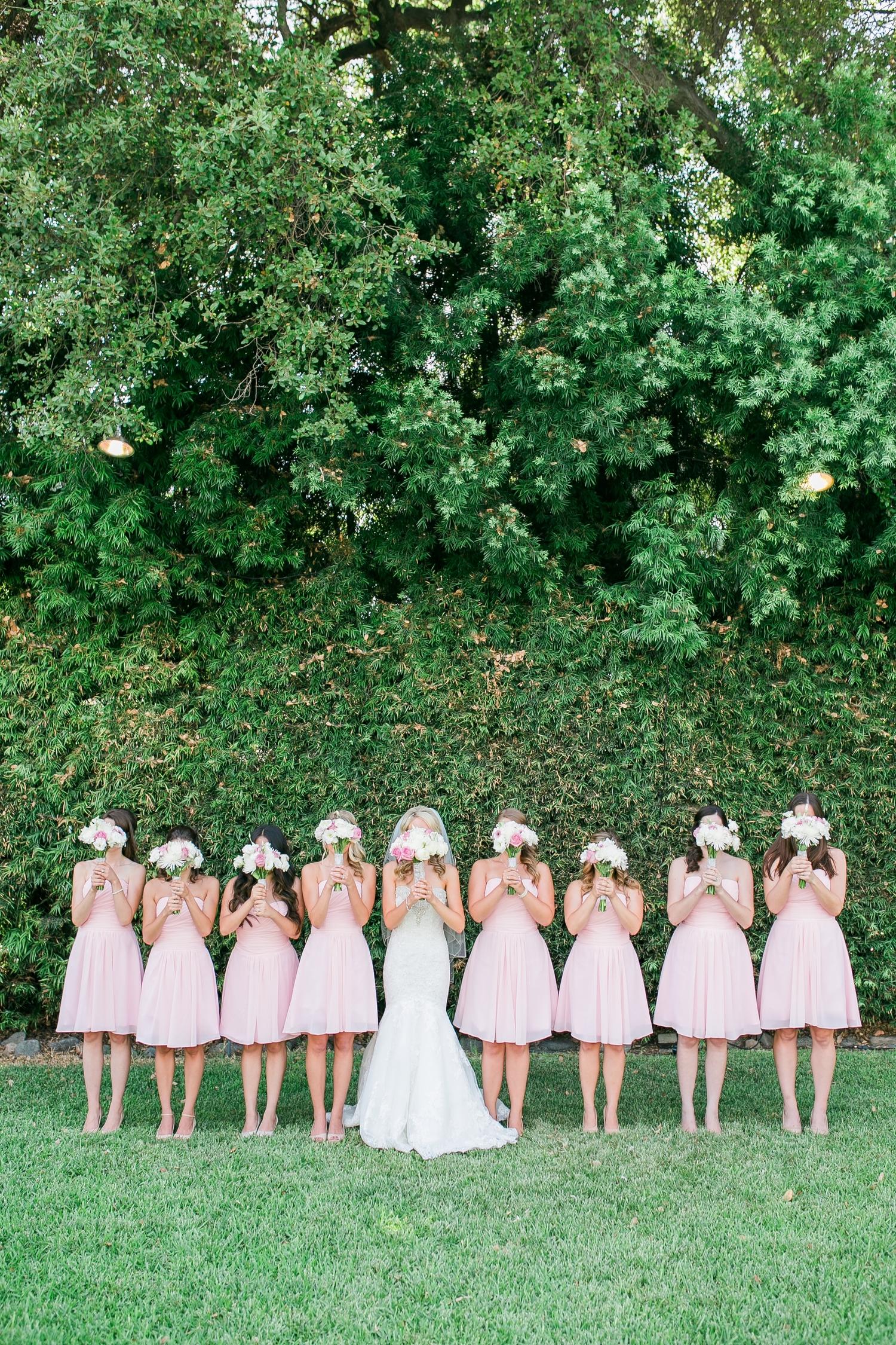 robes-identiques-demoiselles-dhonneur-mariage-la-soeur-de-la-mariee-blog-mariage