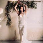 Avril-devant-robe-de-mariee-atelier-swan-collection-2019-lasoeurdelamariee