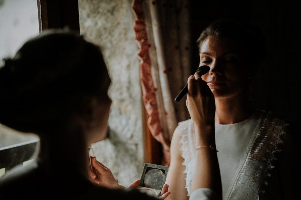 preparatifs-maquillage-mariee