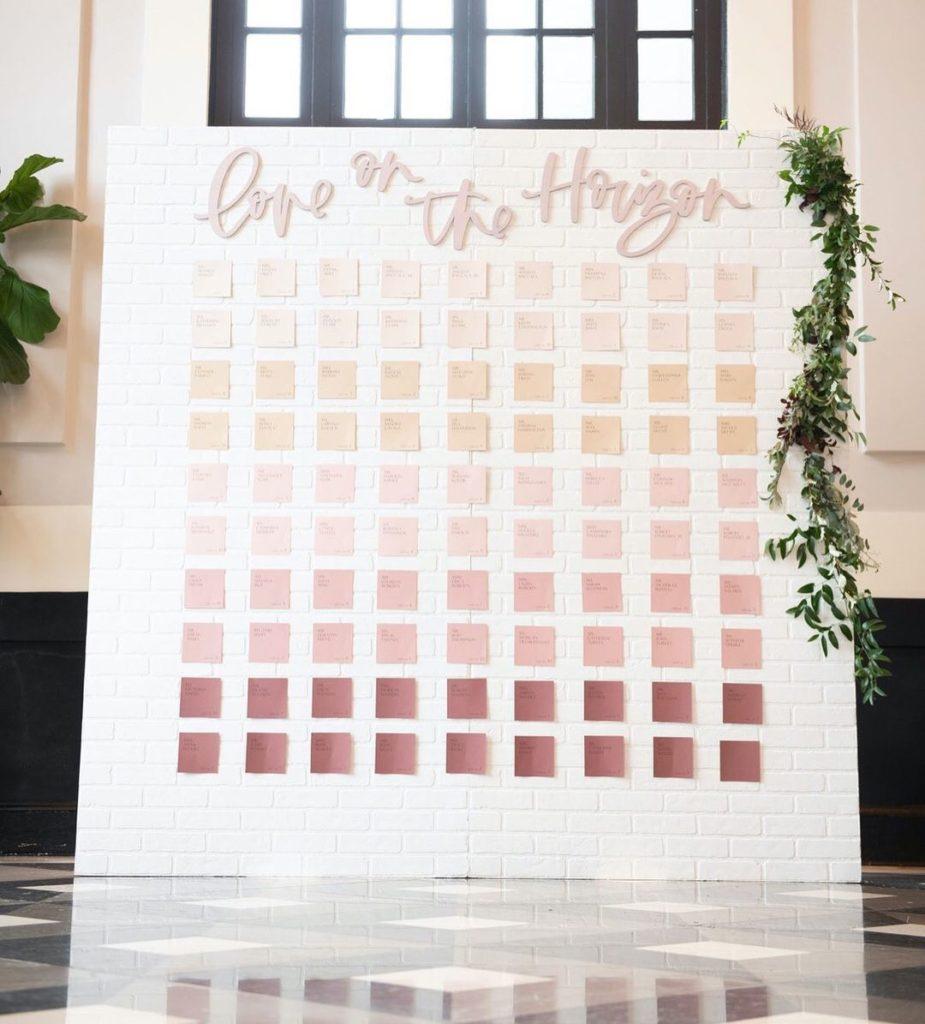 plan-de-table-mariage-pantone-declinaison-couleurs
