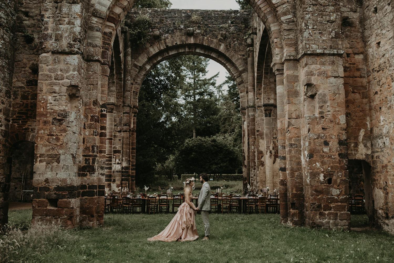 mariage-romantique-abbaye-bretagne